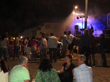 Mágica Noche en la playa de Casares durante la noche de San Juan