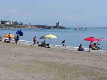 Las playas de Casares tendrán este verano aguas aún más limpias