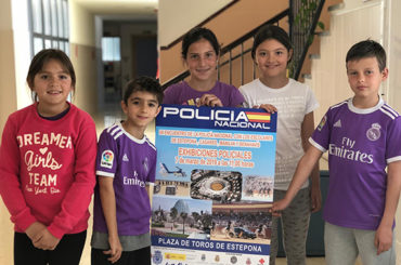 Con mirada infantil (Los Almendros) | Visita a la policía