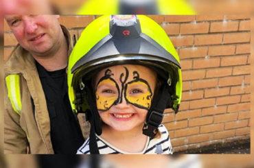 Noticias curiosas | Niña bombero