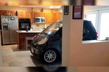 Noticias curiosas | Aparca su coche en la cocina