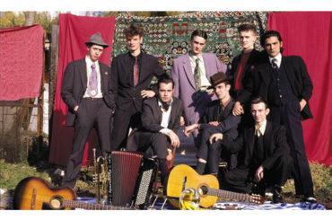 Música para Camaleones | Pour La France!